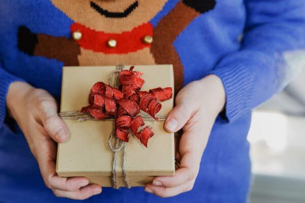 karácsonyi ajándék ötletek időseknek